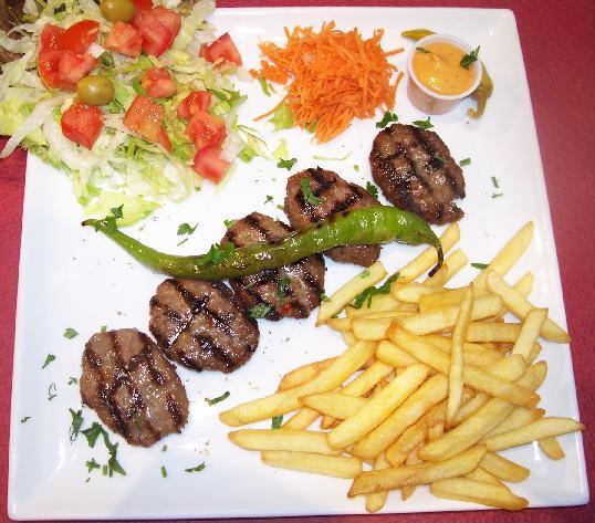 viande hachée avec les frite kofte.JPG